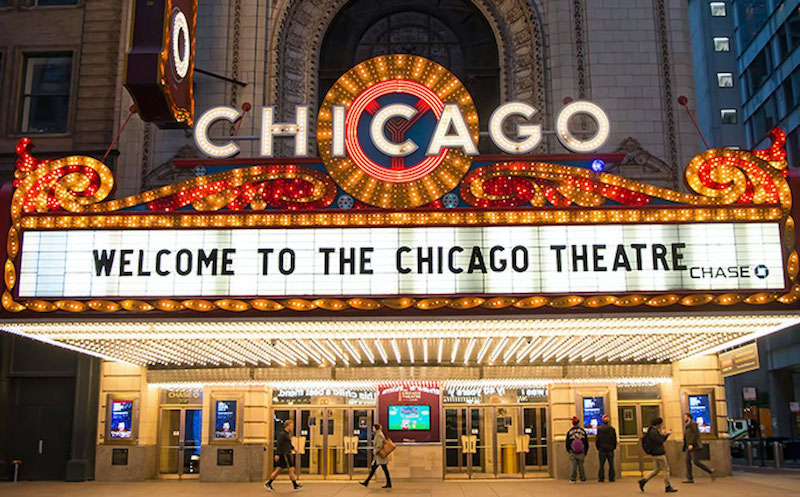 O que fazer em Chicago: entrada do Chicago Theatre