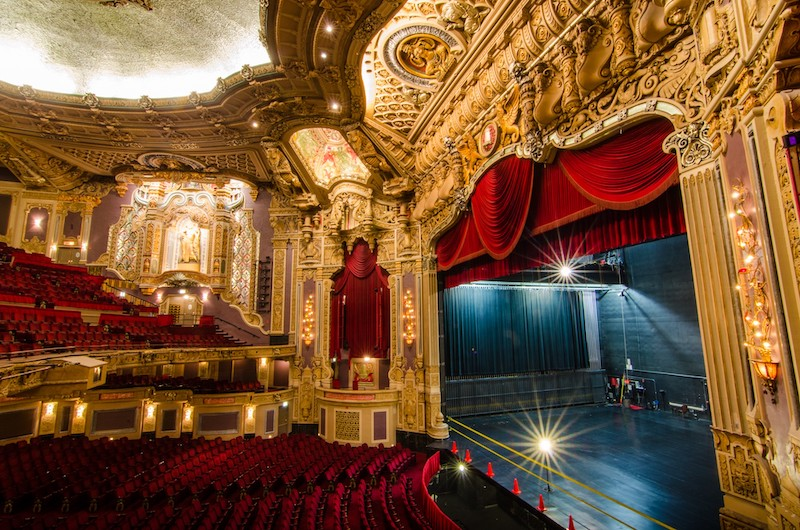 Chicago Theatre: interior