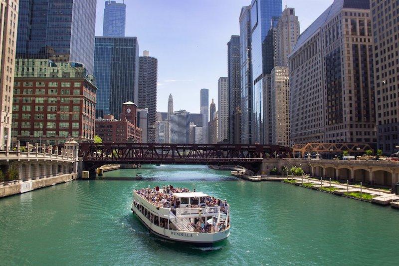 O que fazer em Chicago: passeio de barco em Chicago River