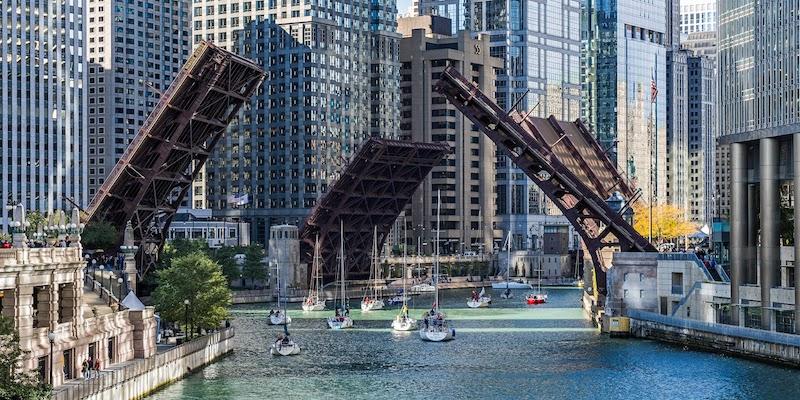 O que fazer em Chicago: pontes no Chicago River