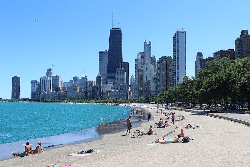 O que fazer em Chicago: praia Oak Street Beach