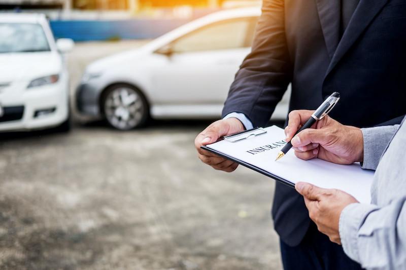 Aluguel de carro em Chicago: seguro de carro