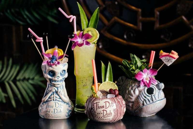 Melhores bares em Chicago: drinques do bar Three Dots and a Dash