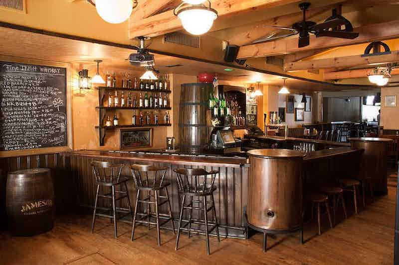 Melhores bares em Chicago: pub The Irish Oak