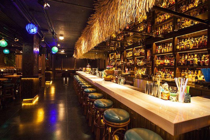 Melhores bares em Chicago: bar Three Dots and a Dash