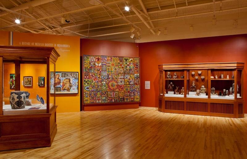 Interior do National Museum of Mexican Art em Chicago